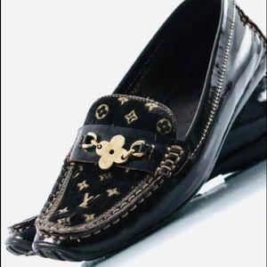 Louis Vuitton Patent Leather Flats Size 7